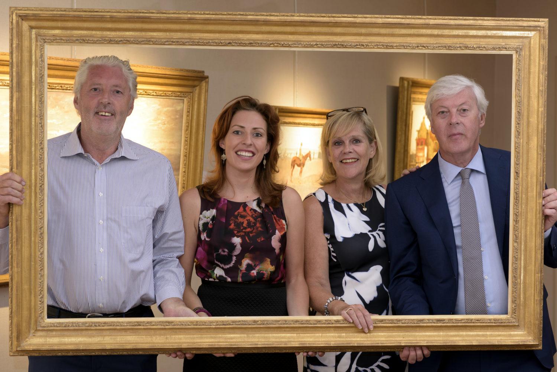 Het team van Kunsthandel Bies